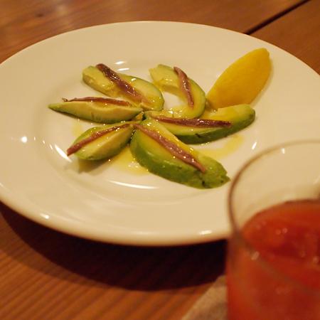 盛岡の地中海料理「mitad y mitad(ミタイミタ)」の前菜