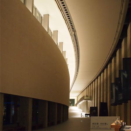 盛岡の岩手県立美術館の内部
