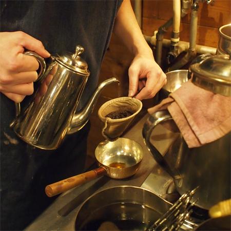 盛岡本町通の喫茶店「機屋」のコーヒー