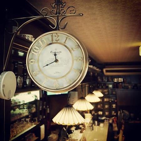 盛岡内丸の純喫茶「リーベ」の店内