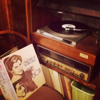 盛岡中ノ橋のシャンソンがかかるおすすめの喫茶店「六分儀」のレコード